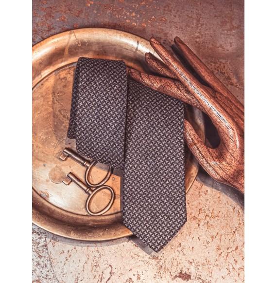Wełniany krawat w drobny wzór